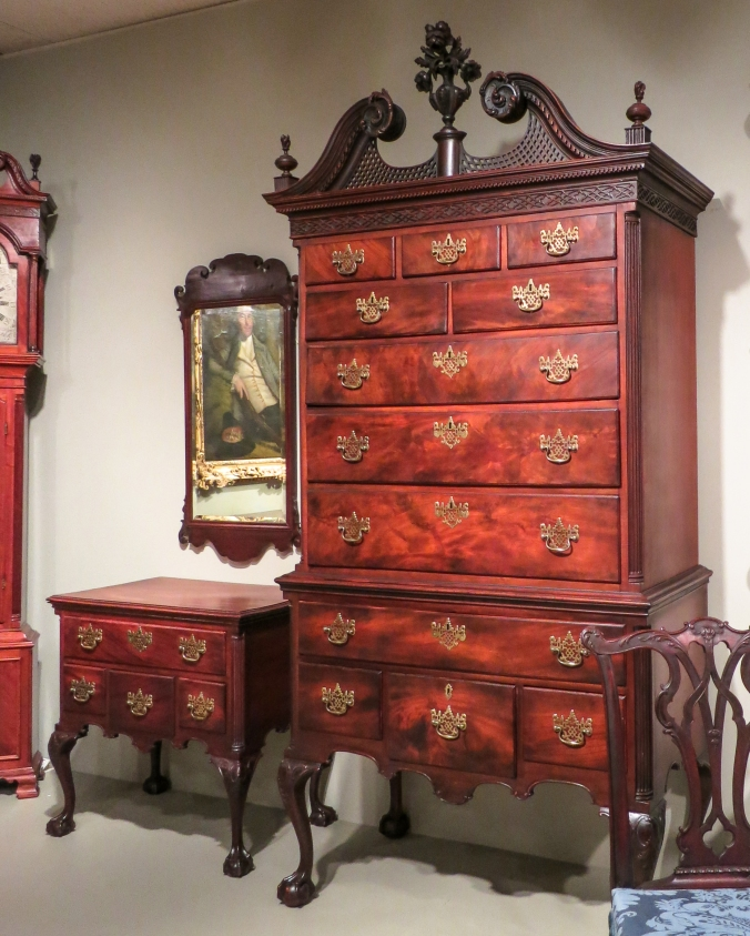 Tufft high chest and dressing table
